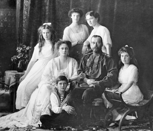 Nicolas-II-et-sa-famille